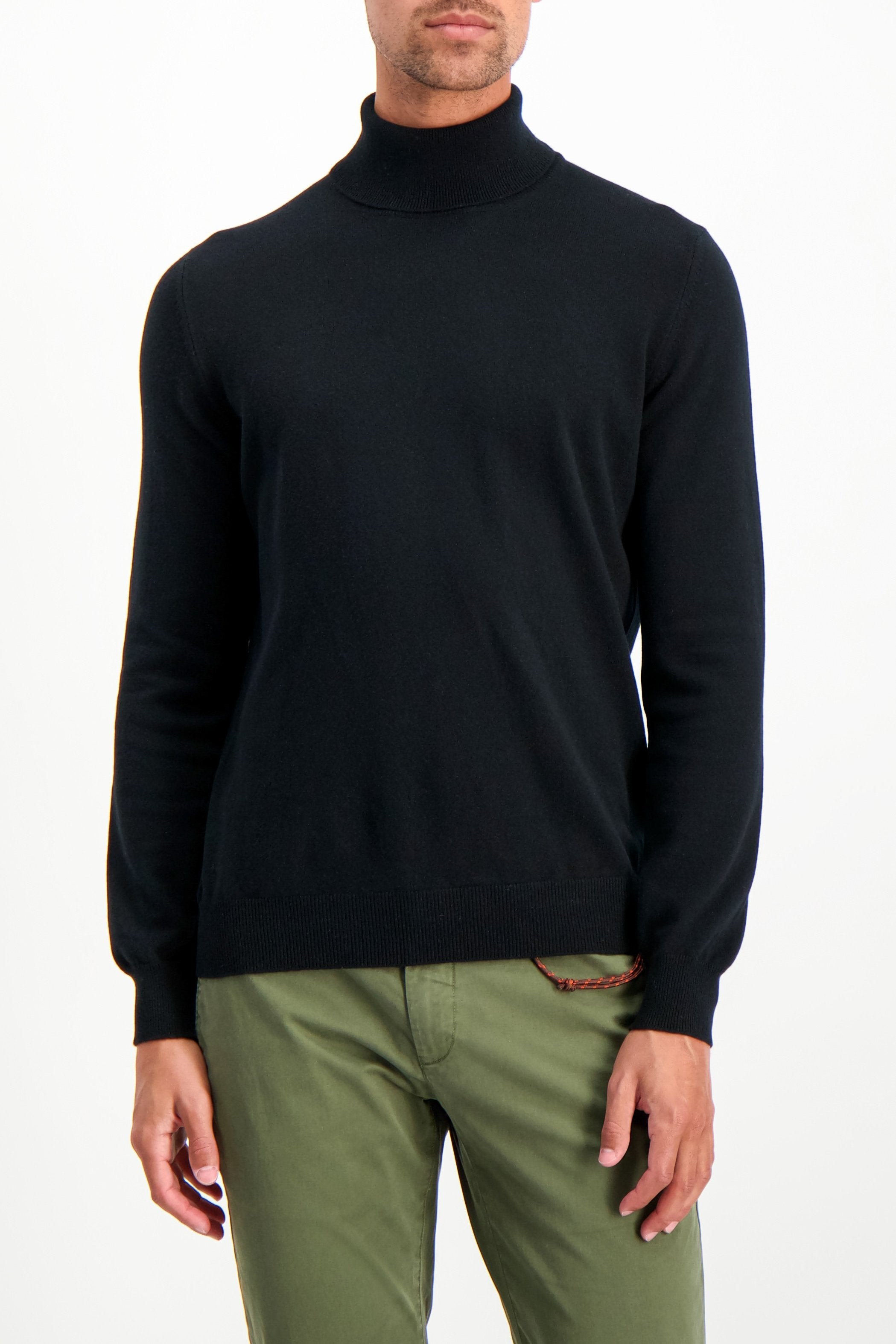 Front Crop Image Of Model Wearing Gran Sasso Turtleneck Sweater Black