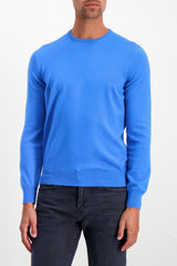 Front Crop Image Of Model Wearing Gran Sasso Crewneck Sweater Blue