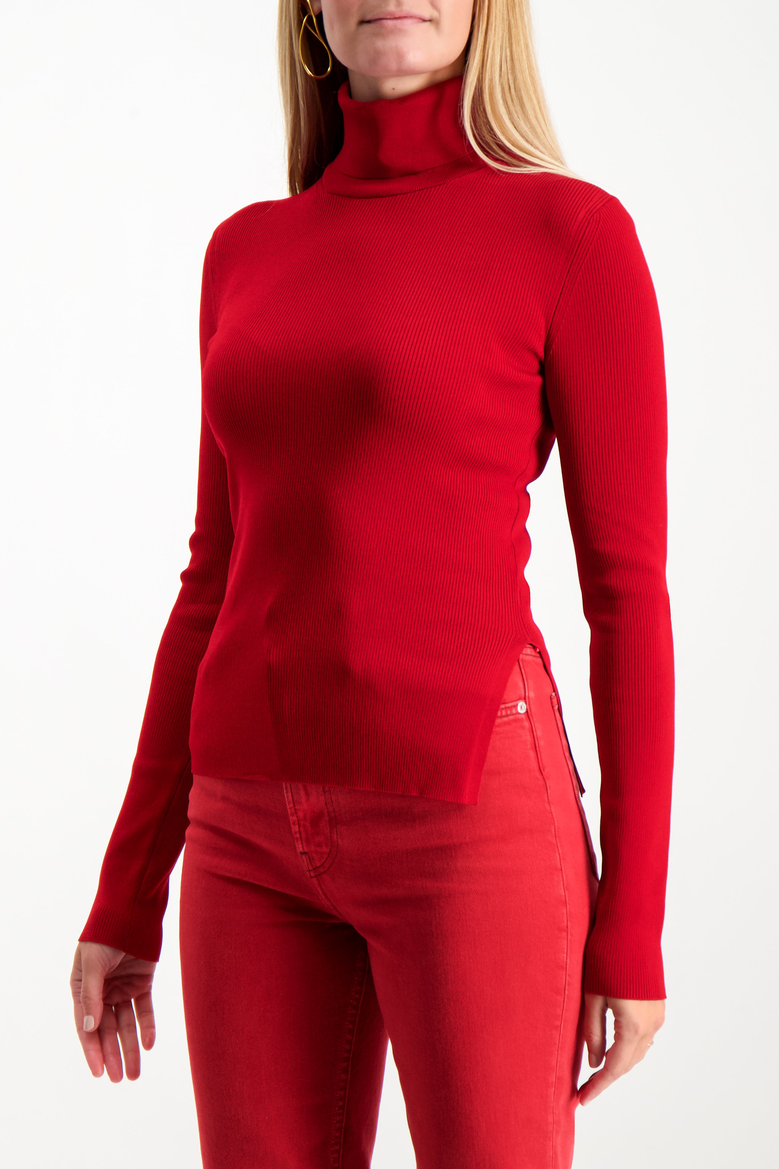 Front Crop Image Of Model Wearing Helmut Lang Viscose Stretch T-Neck Lava