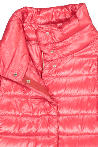 Front collar detail image of Herno Women's Classic Nylon Hilo Jacket Red