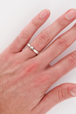 Image of Hoorsenbuhs Bc Band Ring with back of model's hand
