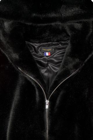 Front collar and zipper detail image of La Seine & Moi Women's Leone Oversize Teddy Bi-Color Coat