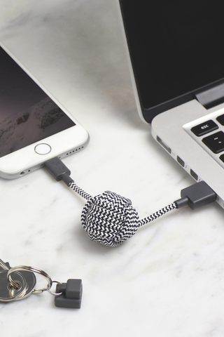 Lifestyle image of Native Union Key Cable kv Lightning Zebra