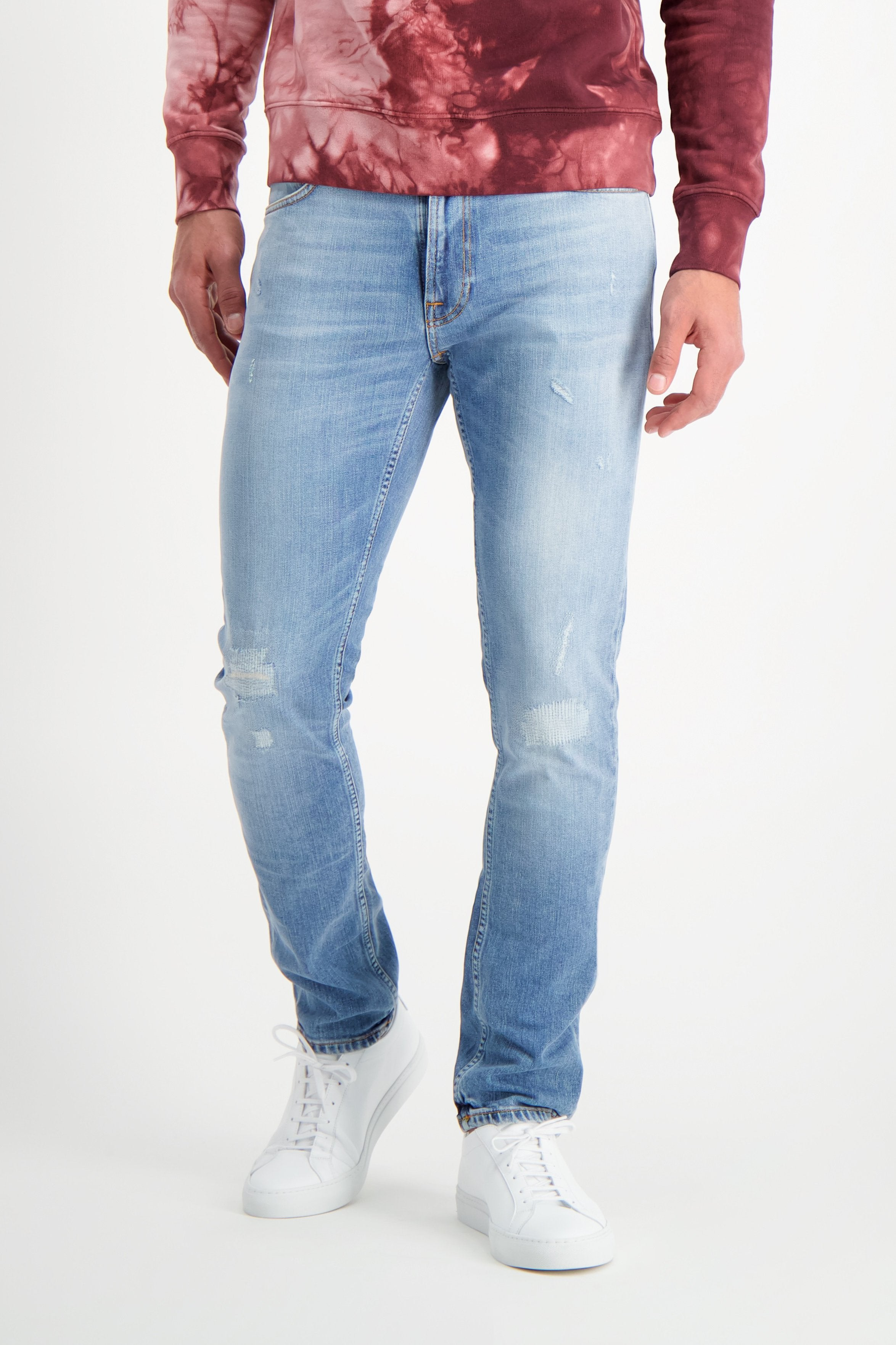 Front Crop Image Of Model Wearing Nudie Jeans Lean Dean Indigo Mountain
