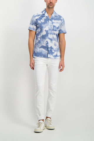 Full Body Image Of Model Wearing Dario Tie Dye Print Shirt White/Indigo