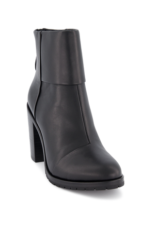 Front angled view image of Rag & Bone Women's Newbury 2.0 Boot Black