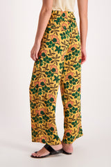 Back Crop Image Of Model Wearing Maison Scotch Cropped Wide Leg Pant Floral
