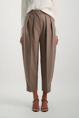 Front Crop Image Of Model Wearing See By Chloé Pleated Trouser