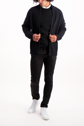 Full Body Image Of Model Wearing Geelong Wool Full Zip Knit