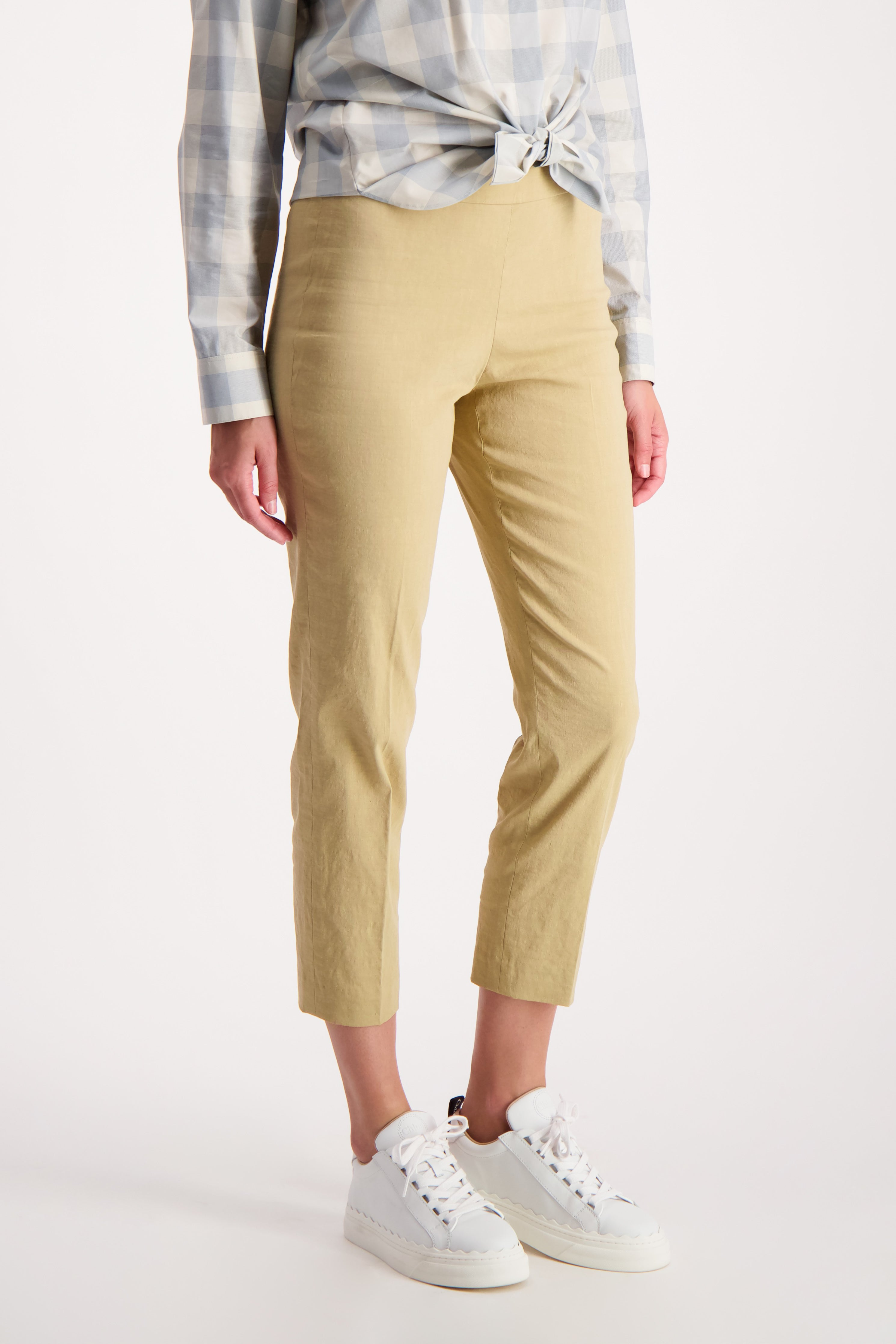 Front Crop Image Of Model Wearing Theory Basic Pull On Pant