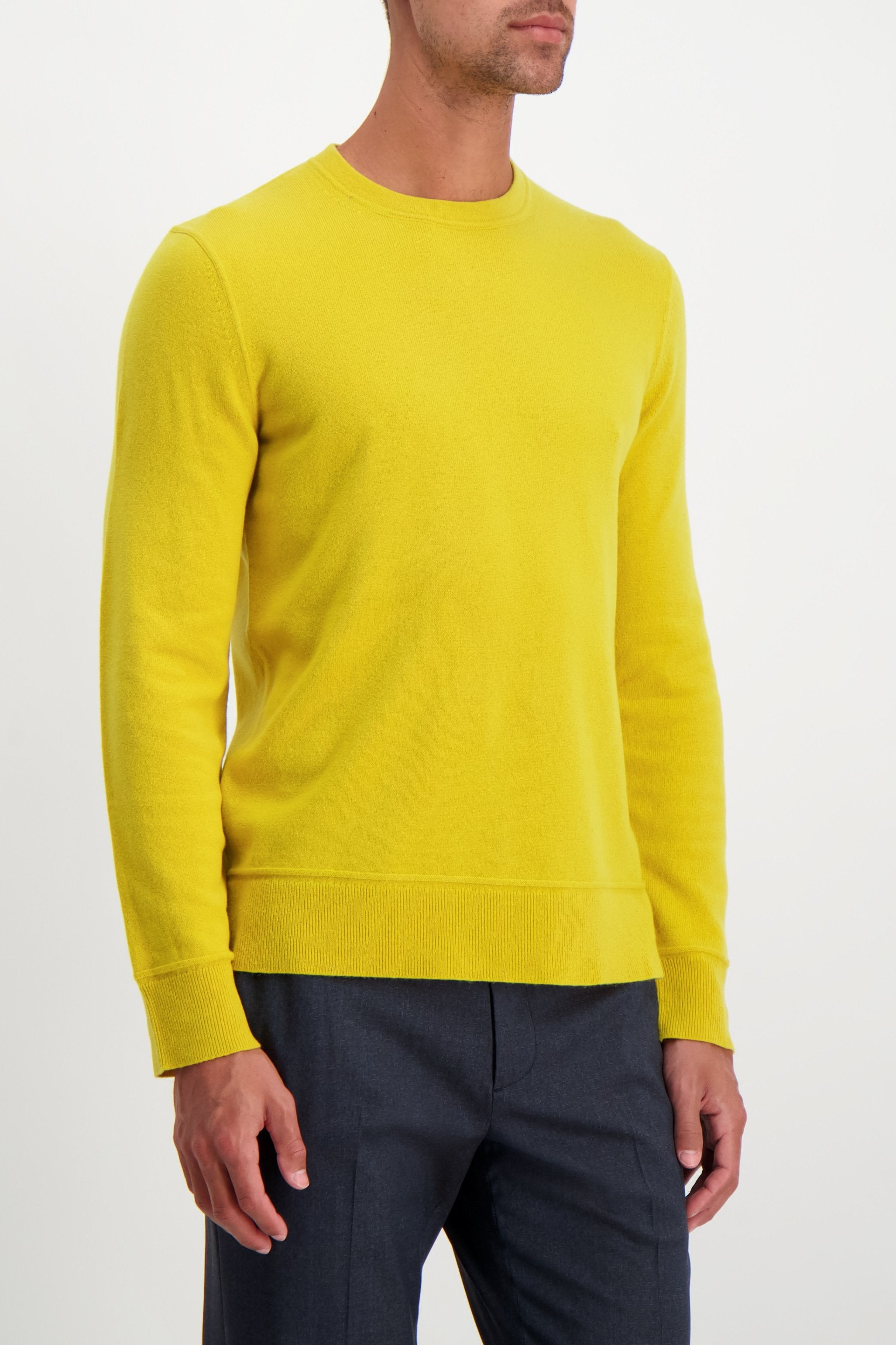 Front Crop Image Of Model Wearing Theory Men's Hilles Crewneck Citrus
