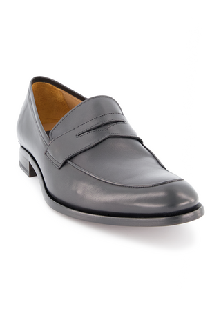 Front angled view image of To Boot Dearborn Leather Flex Penny Loafer Butter Nero