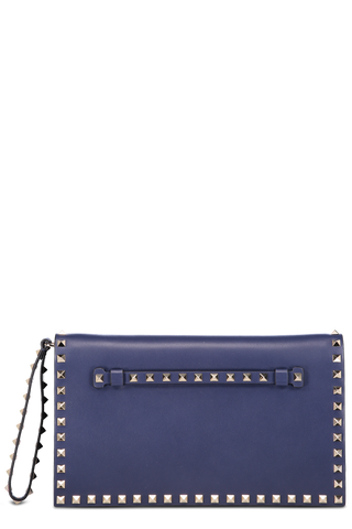 Front Image with Wristlet Rockstud Clutch Giacinto