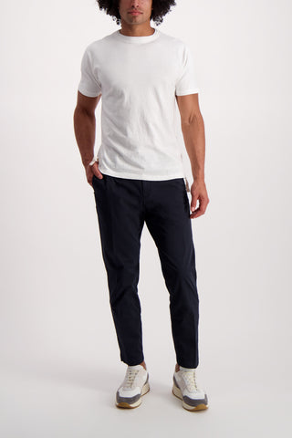 Full Body Image Of Model Wearing White Sand Solid Chino Pant Navy