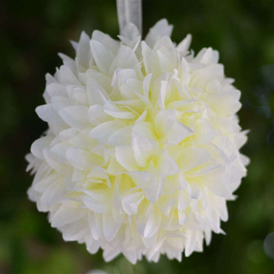 4 x LETS FLY TOGETHER Dahlia Kissing Balls Cream