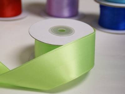 "1.5"" Apple Green Wired Satin Ribbon - 10 Yards"