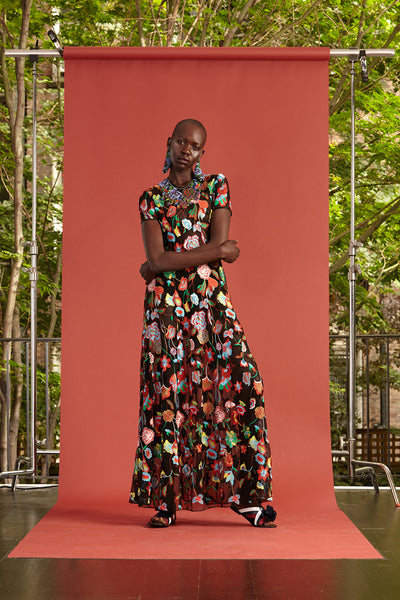 Cynthia Rowley Resort 2017 look 4 featuring a black maxi floral print dress