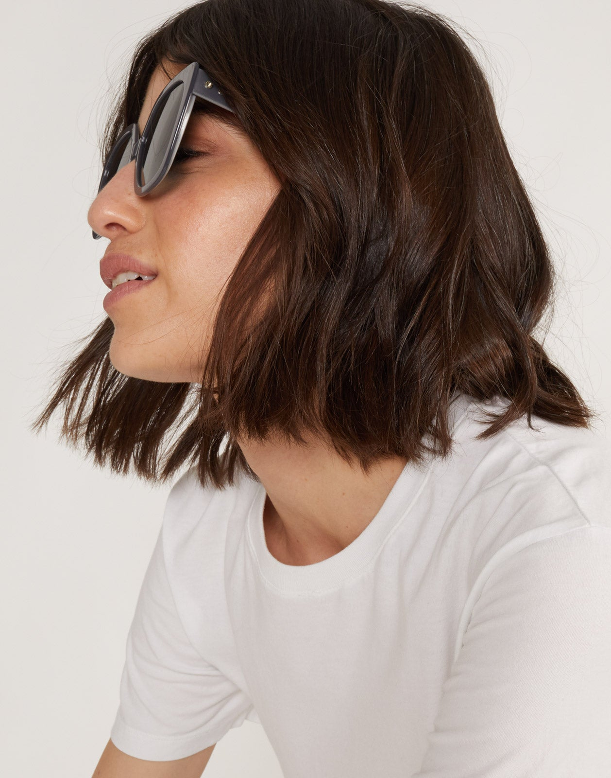Side view of the Dorado sunglasses in gray