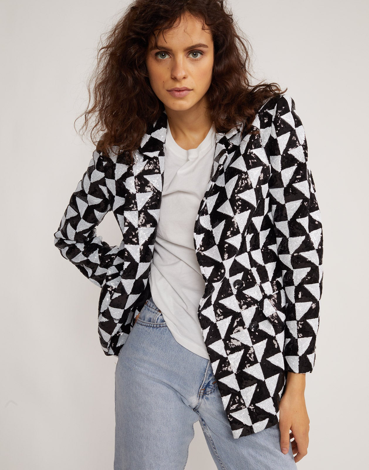 Front view of the Illusion geometric sequin blazer.