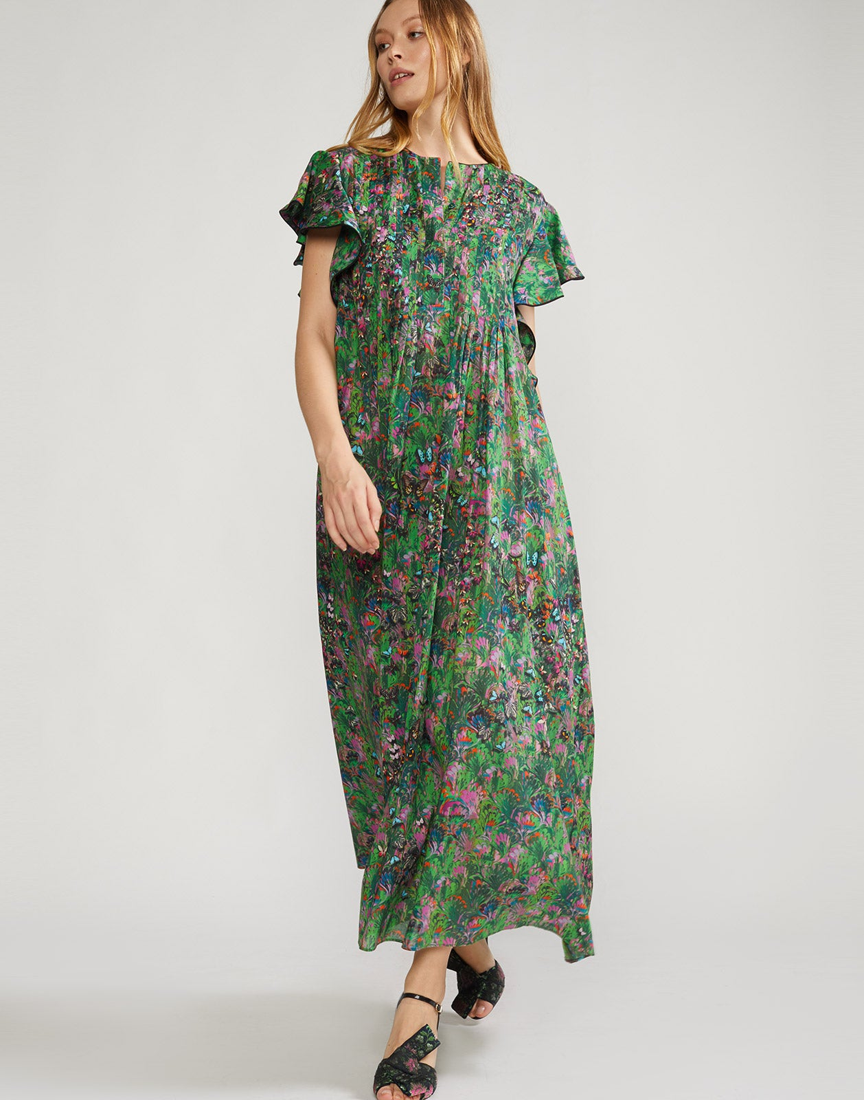 Lightweight maxi dress in green marble print.