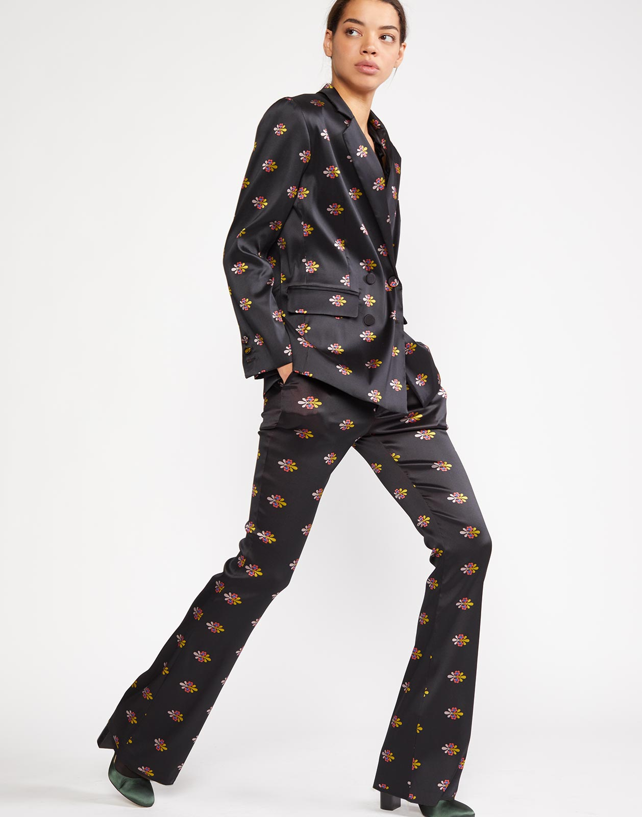 Side view of the Nathalie Jacquard Trouser