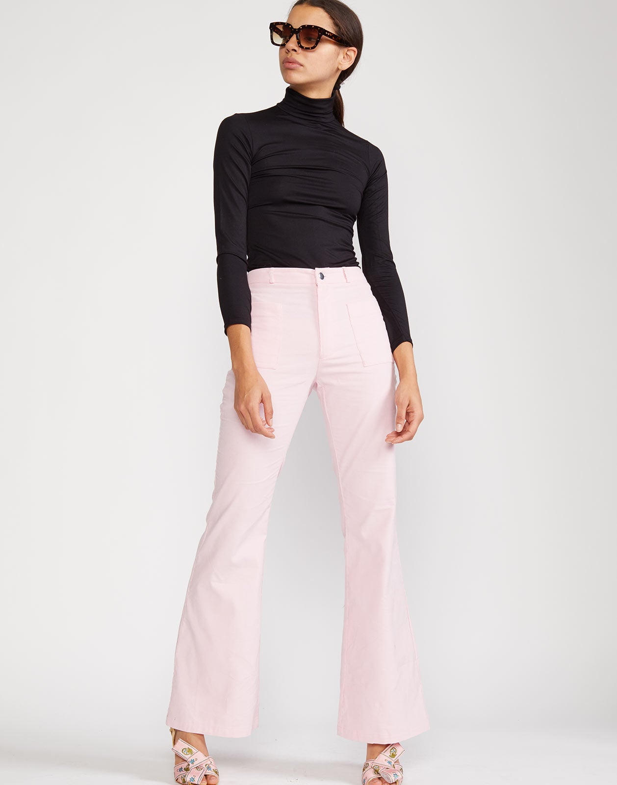 High rise pant with front zip opening