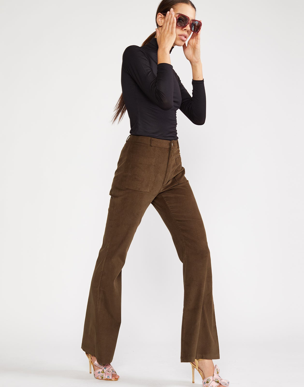 Side view of high waisted cotton pant