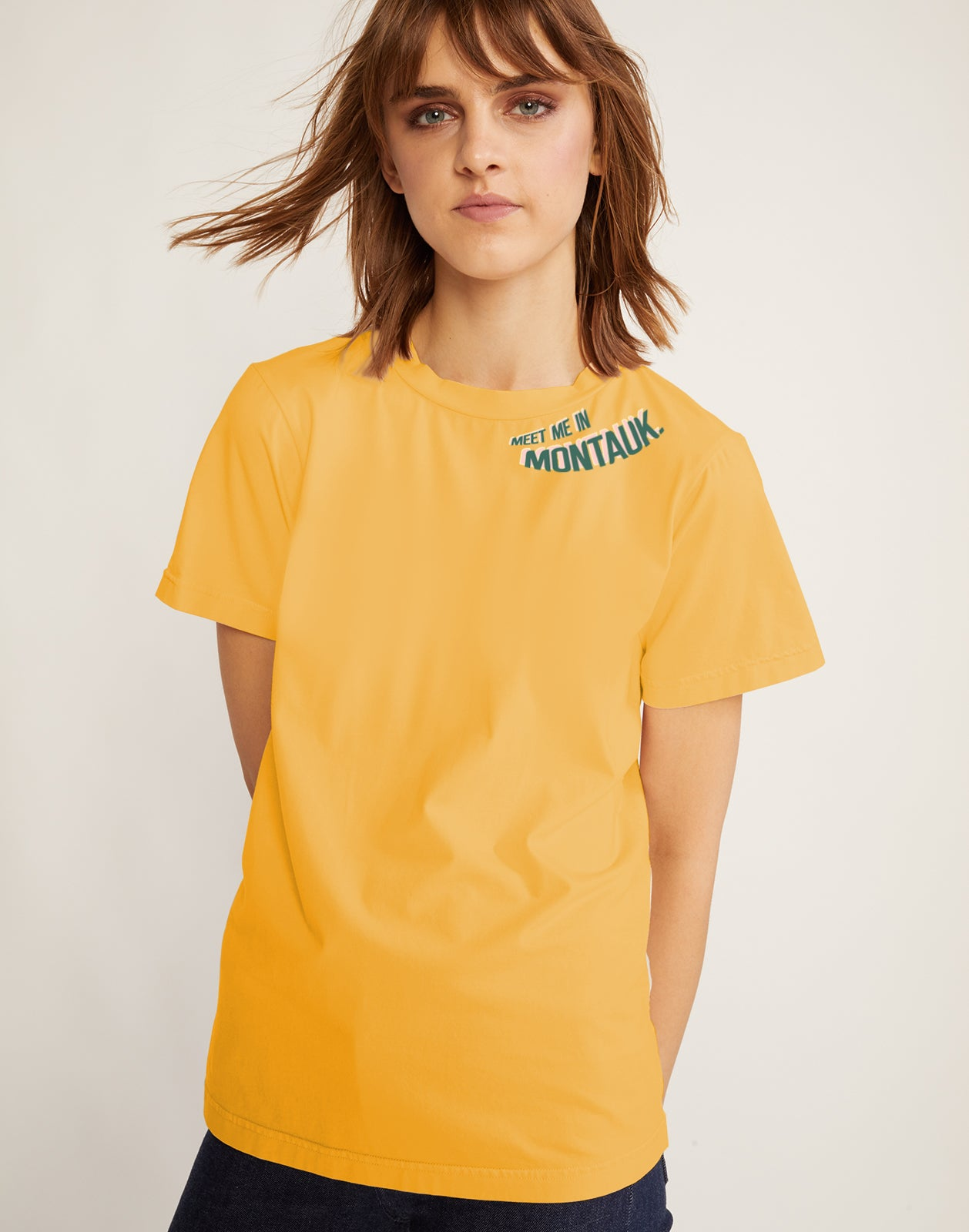 Meet me in Montauk Tee in yellow cotton with green printed lettering.
