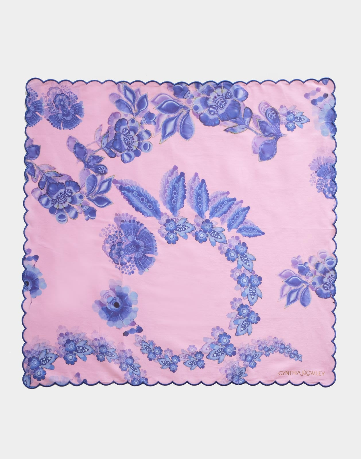 Scallop Embroidered Edge Dinner Napkin
