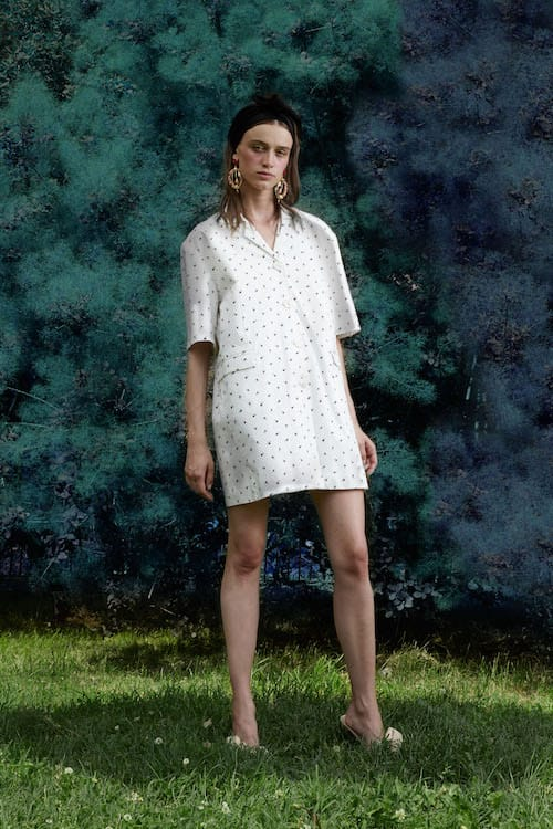 Cynthia Rowley Resort 2018 Look 4 featuring a rosebud printed cotton cabana shirt dress