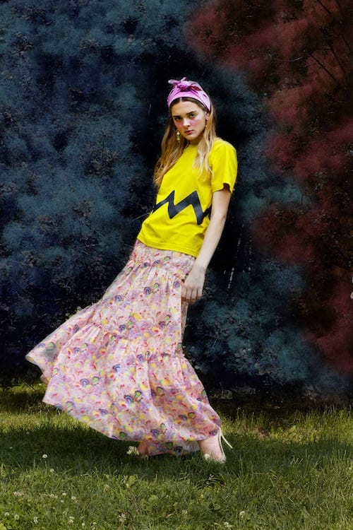 Cynthia Rowley Resort 2018 Look 5 featuring a marble print cotton maxi skirt and yellow chevron stripe t-shirt