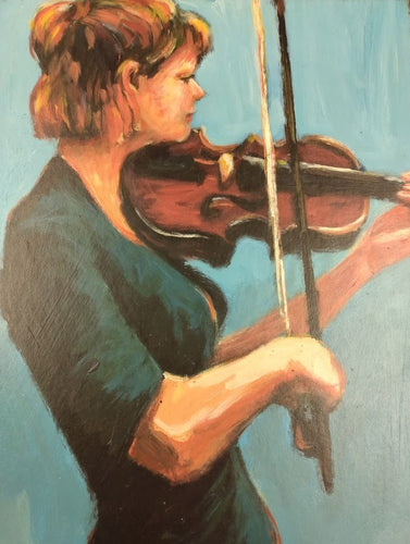 A woman plays violin and loses herself in her music. Her hair is highlighted by the lightsource above her head, creating a serene mood.