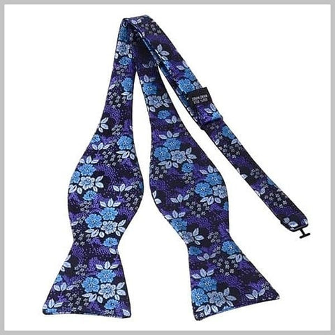 Blue floral bow tie made of silk