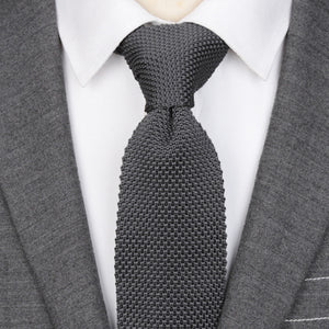 Classy Men Solid Grey Knitted Tie