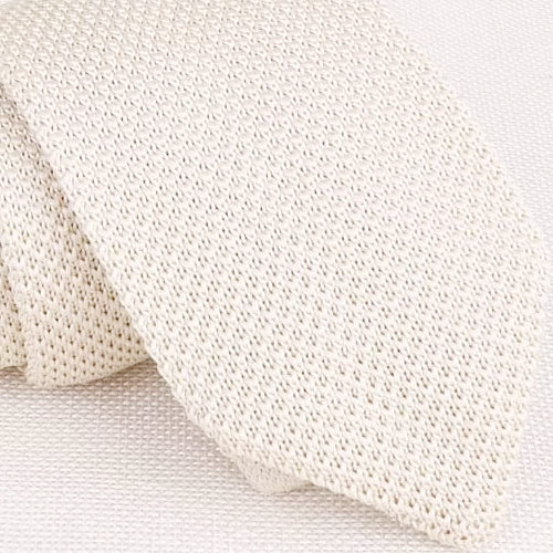 Classy Men Solid White Knitted Tie