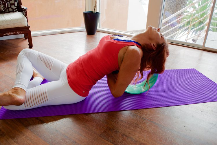 7 Benefits of a Yoga Wheel
