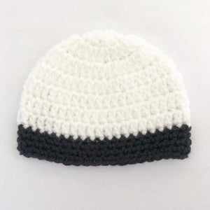 Crochet wool beanie - white with black trim
