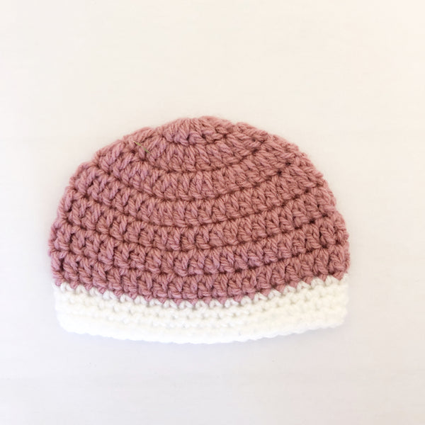 Crochet wool beanie - dusty rose with white trim