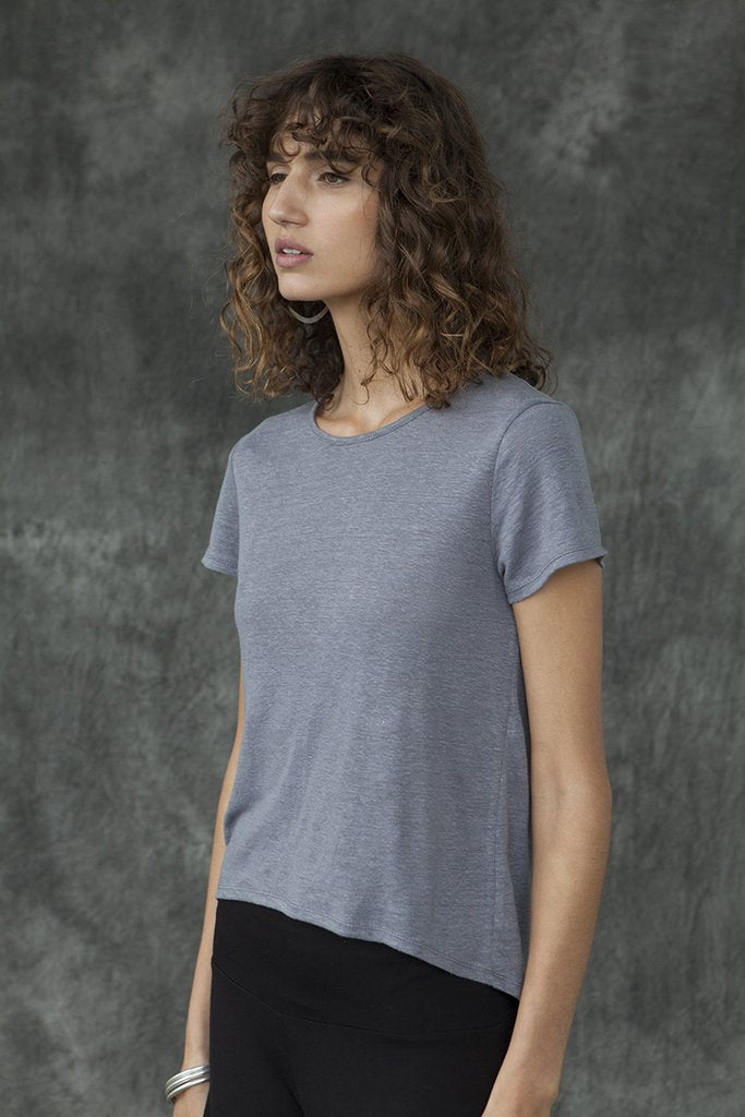 CURVED HEM SHORT SLEEVE TOP