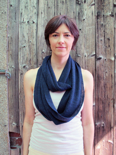 SHEEP-ISH LIGHTWEIGHT MERINO INFINITY LOOP SCARF