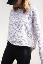 BON LABEL RAGLAN SWEATER WITH SPOTS