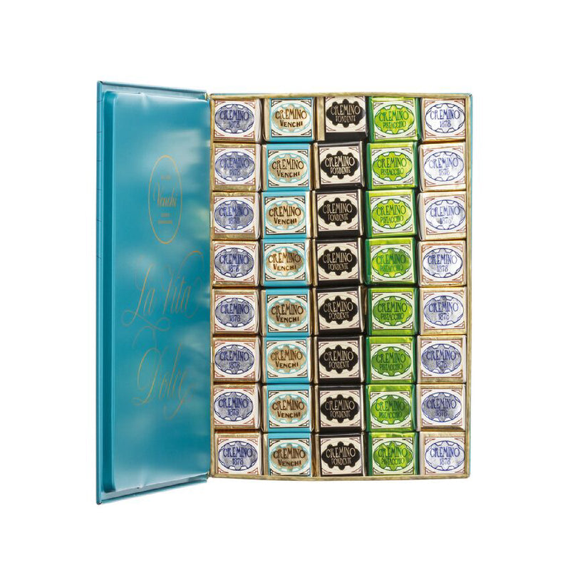 Assortment of 898g Cremini Blue Maxi Book