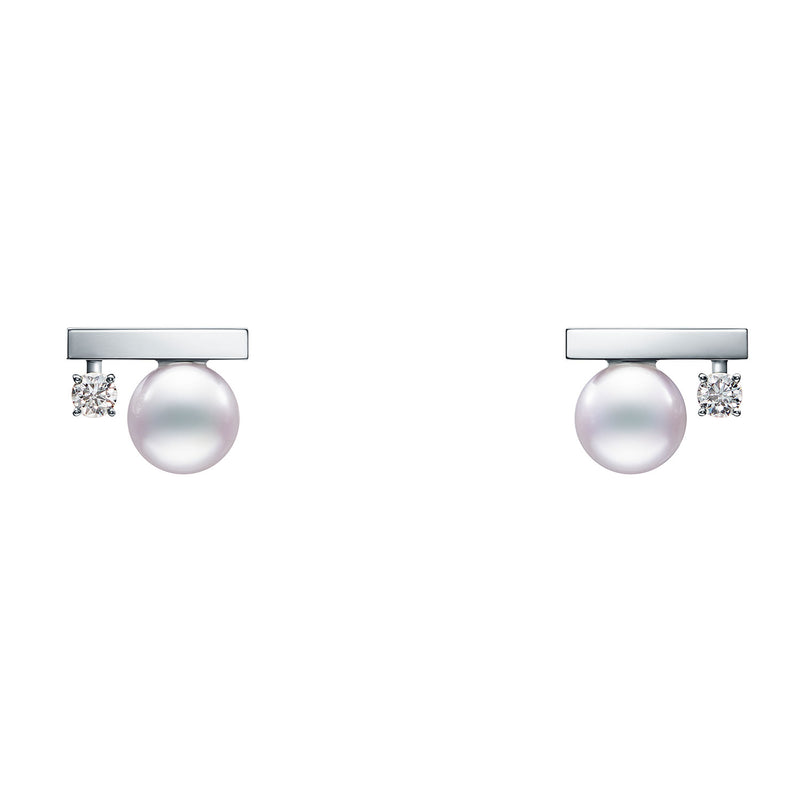 Petit Balance Class Earrings White Gold