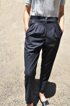 Load image into Gallery viewer, Sal Tailored pant in navy plaid