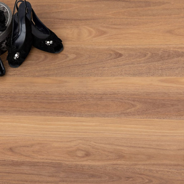 Naturale Vinyl Flooring Spotted Gum by Airstep