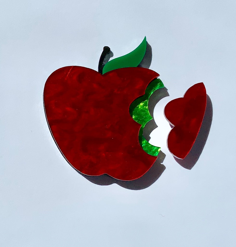 Magic Poisoned Apple Brooch
