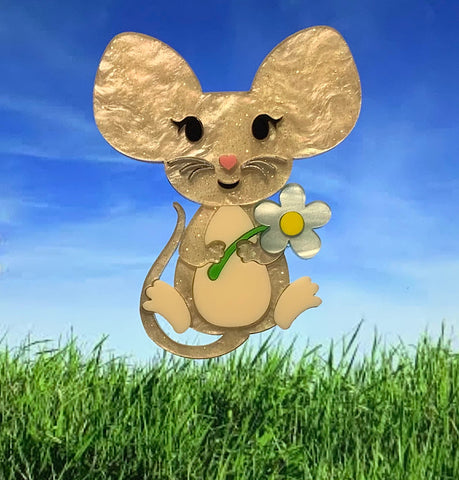 Molly the Mouse Brooch