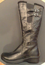 Women's Bern Boot Tall