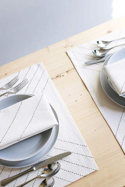 Arrow Placemat Set in Bone
