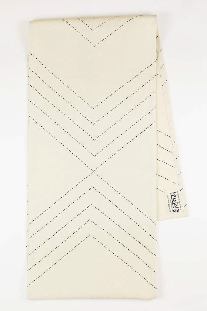 Arrow Table Runner in Bone
